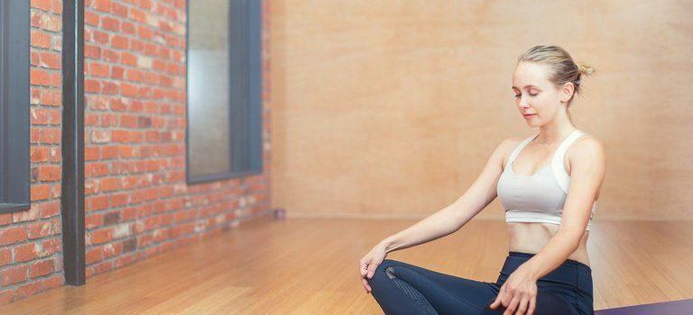 Добра постелка за йога упражнения