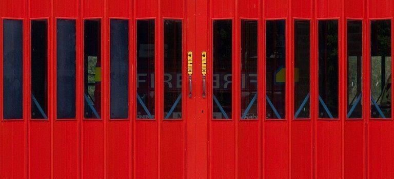 промишлената гаражната врата
